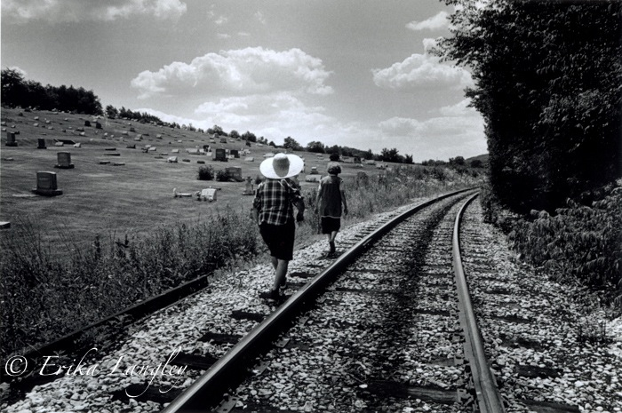 Annie and Vera on tracks, 1988.jpg